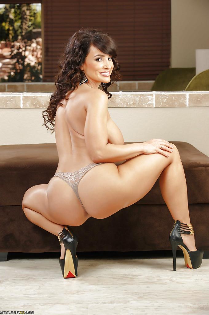 Lisa Ann big boobs 14 - Lisa Ann Pornstar Hot Fucking XXX Photos