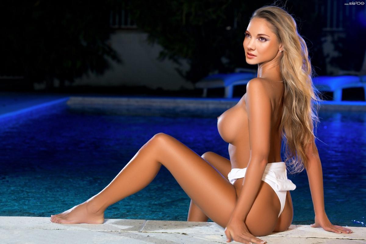 Skyler Samuels Nude fakes 20 - Skyler Samuels Nude Porn XXX Fakes Pics
