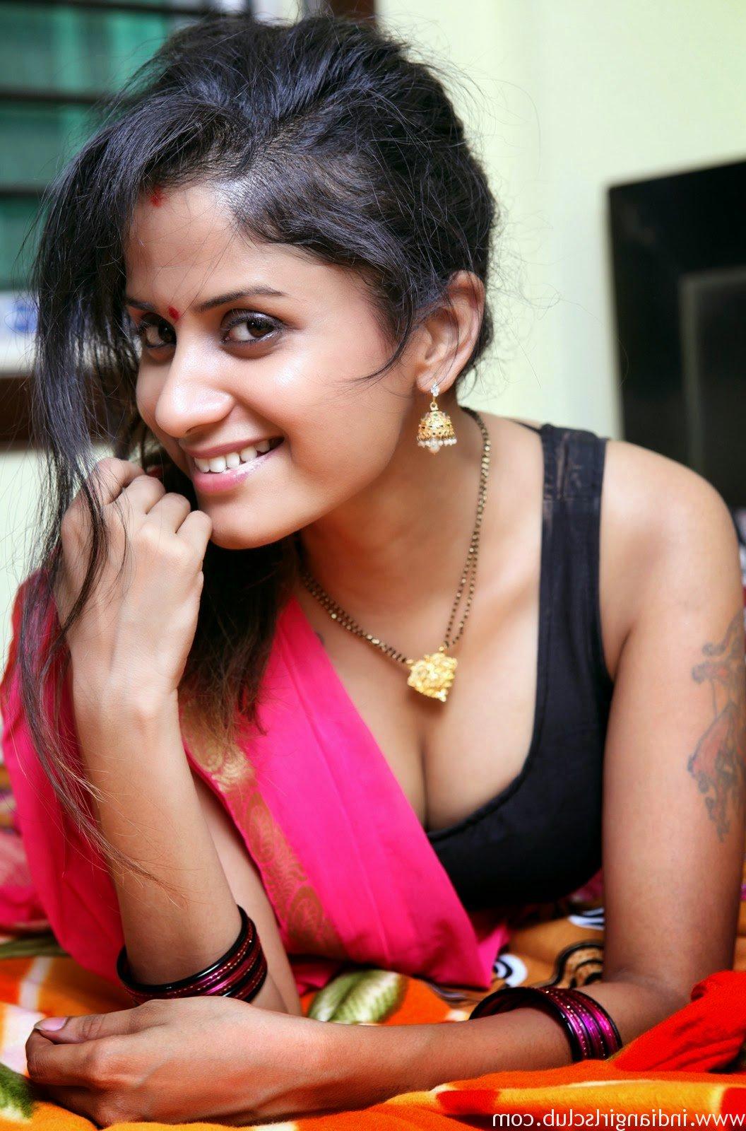 Indian Wife Bhabhi nangi 3 - Indian Wife Bhabhi Nangi Photos Naked Pussy Pics