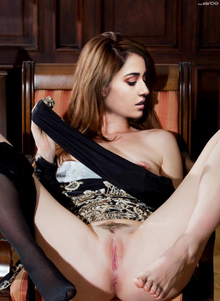 Disha Patani Nude Photos 5 - Disha Patani Nude Boobs XXX Pussy Sex Photos