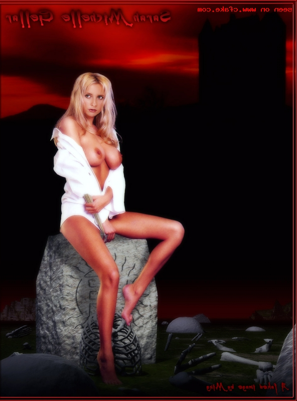 Sarah Michelle Gellar naked pics 7 - Sarah Michelle Gellar Nude Porn Sex Images